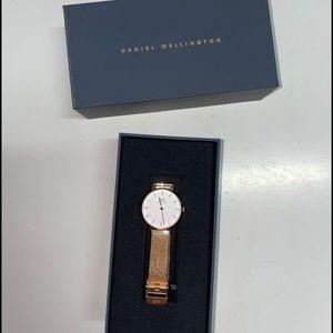 Daniel Wellington petite melrose rose gold watch